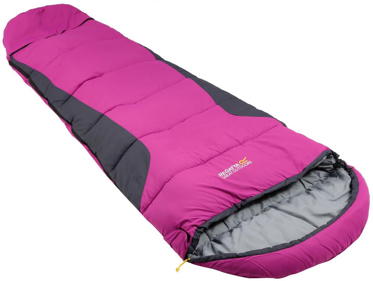 Мешок спальный Regatta Hilo Boost, цвет: розовый, левосторонняя молния, 170 x 70 x 50 смRCE215Конусообразный спальник обеспечивает максимальное сохранение тепла. Комфортная температура + 15 °С.Возможность изменения длины спальника от 170 см до 195 см, идеально для подростков.Однослойное наполнение для равномерного распределения наполнителя по всему спальнику.Мягкая подкладка для комфортного ночного сна.Двусторонняя молния для легкого доступа изнутри и снаружи.Внутренний карман для хранения ценных вещей.Утепленная планка молнии для предотвращения потери тепла.Утепленная верхняя часть на уровне плеч.Размер 170х70х50 см/ 195х70х30 см, вес 1,3 кг.Идеально подходит для пешего туризма.
