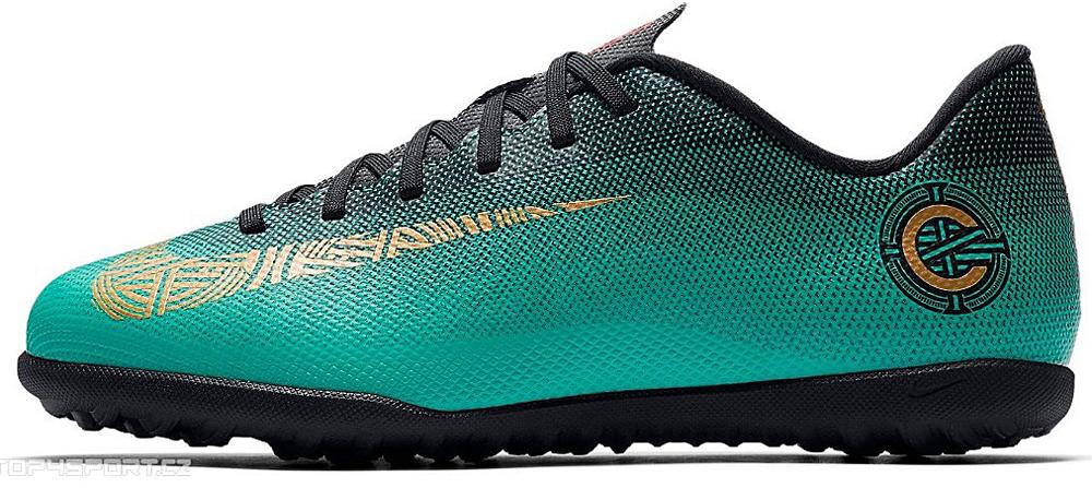 Бутсы для мальчика Nike Jr Vaporx 12 Club Gs Cr7 Tf, цвет: бирюзовый. AJ3106-390. Размер 1,5Y (32)AJ3106-390