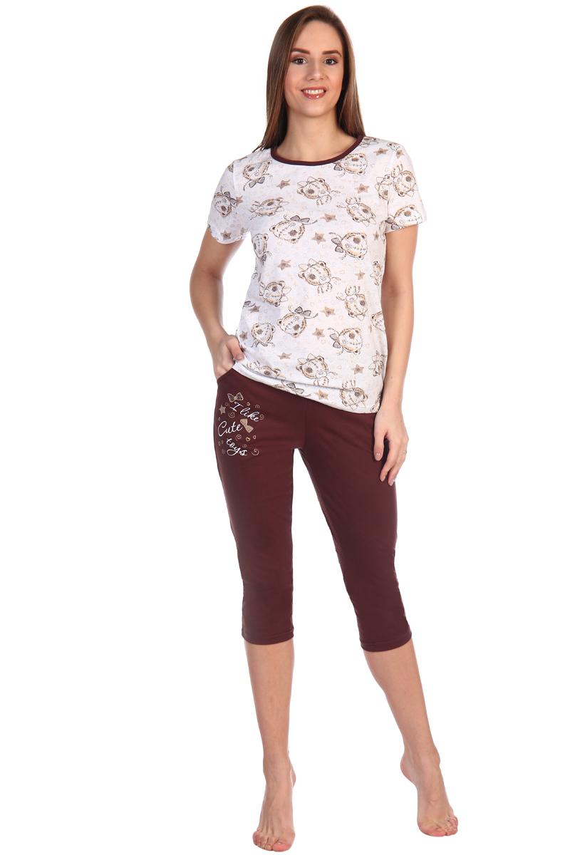 Домашний комплект женский Хоум Стайл, цвет: белый, коричневый. ХОС-998Б013-5. Размер 44 (44)ХОС-998Б013-5Костюм состоит из футболки с коротким рукавом и бриджей с рисунком спереди. В бриджах есть достаточно глубокие карманы. Длина футболки по спинке составляет 60 см, длина бриджей 72 см, внутренний шов бриджей 48 см.