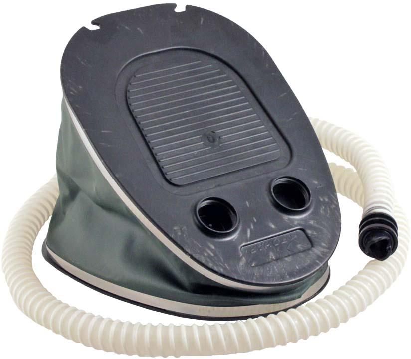 Насос ножной используется для быстрого накачивания и скачивания лодок из ПВХ.Размер насоса в сложенном виде – 25 х 18 х 6 см.Объём рабочей камеры – 3,5 л.Вес – 0,83 кг.Меха насоса выполнены из прочной ПВХ-ткани, опорные поверхности - из ударопрочной пластмассы. Насос комплектуется гофрированным шлангом. В корпусе насоса имеются два специальных отверстия для надувания и сдувания, обозначенные стрелками.Насос не зависит от наличия рядом электросети, что делает его практически незаменимым в походах и на пикниках.