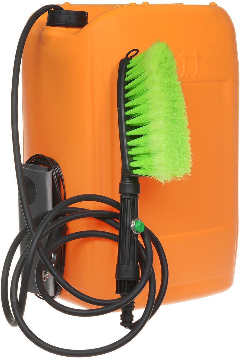 """Минимойка """"Балио"""", работающая от прикуривателя - быстрый, надежный, аккуратный и   экономный способ вымыть автомобиль, его двигатель и различные узлы, спрятанные под   капотом. Автомобиль можно мыть и в зимний период.   Характеристики: - Мотор-насос вмонтирован в пластиковую емкость объемом 20 литров; - Сбоку емкости имеется приспособление (""""карман""""), куда прячется щетка и вокруг которого   наматывается шнур; - Шланг помещен внутри емкости; - Для мойки используется вода (температура воды не выше 45°С), в которую можно добавить   любую моющую жидкость; - На рукоятке удобно расположена специальная кнопка включения; - Калиброванное отверстие на рукоятке позволяет получить тонкую струю воды, вылетающую   на расстояние до 5 метров, создающую определённый напор и одновременно ограничивающую   расход воды; - На рукоятку навинчивается щетка и вода поступает на моющуюся поверхность через щетку,   котора позволяет быстро и аккуратно помыть автомобиль, при этом самому не испачкаться в   процессе мойки; - Шланг минимойки изготовлен из специального каучука и остается мягким и эластичным даже   при отрицательной температуре воздуха; - Специально подобранный электропровод, благодаря резиновым уплотнениям автомобиля,   спокойно проходит между дверью и кузовом; - В устройстве применяется штекер с предохранителем, защищающим электропроводку   автомобиля при коротком замыкании.  Технические характеристики: - питание: постоянный ток, - напряжение - 12 В, - номинальный потребляемый ток – 4 А, - номинальный расход воды – 25 мл/с, - давление при расходе воды равном нулю - 25 кг/см2, - температура воды – до 45°С, - режим работы – повторно-кратковременный, - длина шланга – 3 м, - длина провода электропитания – 4 м. УВАЖАЕМЫЕ КЛИЕНТЫ!  Обращаем ваше внимание на цветовой ассортимент щеток. Поставка осуществляется в зависимости от наличия на складе.   Как выбрать мойку высокого давления. Статья OZON Гид"""