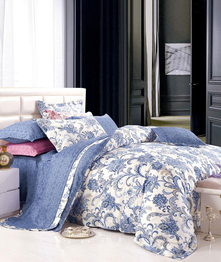 Комплект постельного белья Tango Bibi, евро, наволочки 50x70, цвет: синий, белыйtan292352Сатин средней плотности – золотая середина среди сатинового постельного белья. Он достаточно плотный, долго не изнашивается, но стоит дешевле сатина повышенной плотности. Комплект из сатина не блестит как шелк, но приятен на ощупь и довольно мягкий. Краска на этой ткани держится очень хорошо: новое белье не полиняет и со временем не станет выцветать.
