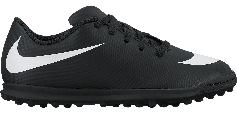 Бутсы для мальчика Nike JrBravatax Ii Tf, цвет: черный. 844440-001. Размер 5,5Y (37)844440-001Kids Nike Jr. BravataX II (TF) Turf Football Boot Детские футбольные бутсы для игры на газоне Nike Jr. BravataX II (TF) оптимизируют скорость без ущерба для контроля над мячом. Разнонаправленные шипы помогают быстро развивать скорость, а микрорельеф верха повышает сцепление для большего контроля над мячом. Верх из синтетической кожи для прочности и превосходного касания. Поверхность верха с микротекстурой обеспечивает превосходный контроль мяча на высокой скорости. Асимметричная шнуровка увеличивает площадь контроля над мячом. Контурная стелька обеспечивает низкопрофильную амортизацию, снижая давление от шипов. Прочная резиновая подметка создана для игры на искусственных покрытиях.