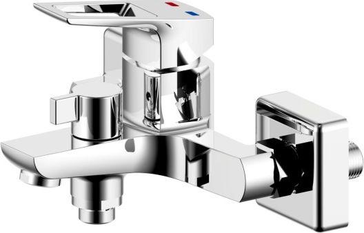Смеситель для ванны Milardo® изготовлен из высококачественной первичной латуни, прочной, безопасной и стойкой к коррозии. Инновационные технологии литья и обработки латуни, а также увеличенная толщина стенок смесителя обеспечивают его стойкость к перепадам давления и температур. Увеличенное никель-хромовое покрытие полностью соответствует европейским стандартам качества, обеспечивает его стойкость и зеркальный блеск в течение всего срока службы изделия. Благодаря гладкой внутренней поверхности смесителя, рассекателям в водозапорных механизмах и аэратору он имеет минимальный уровень шума.В комплект входят лейка и шланг из нержавеющей стали длиной 1,5 м.Гарантия на смесители Milardo® – 7 лет. Гарантия на лейку и шланг составляет 3 года.