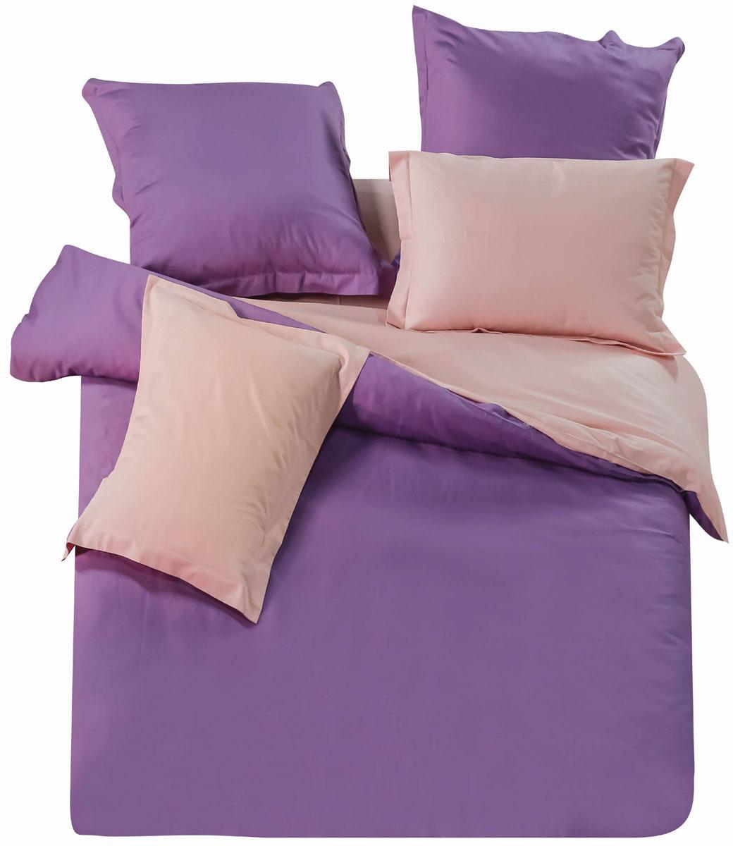 Комплект постельного белья СайлиД Abbi, 1,5-спальный, наволочки 70x70, цвет: персиковый, фиолетовыйsail236531Наволочки с декоративным кантом особенно подойдут, если вы предпочитаете класть подушки поверх покрывала. Кайма шириной 5-10 см с трех или четырех сторон делает подушки визуально более объемными, смотрятся они очень аккуратно, даже парадно. Еще такие наволочки называют оксфордскими или наволочками «с ушками».В сатине высокой плотности нити очень сильно скручены, поэтому ткань гладкая и немного блестит. Краска на сатине держится очень хорошо, новое белье не полиняет и со временем не станет выцветать. Комплект из плотного сатина прослужит дольше любого другого хлопкового белья. Благодаря диагональному пересечению нитей, он почти не мнется, но по гладкости и мягкости уступает атласным тканям.