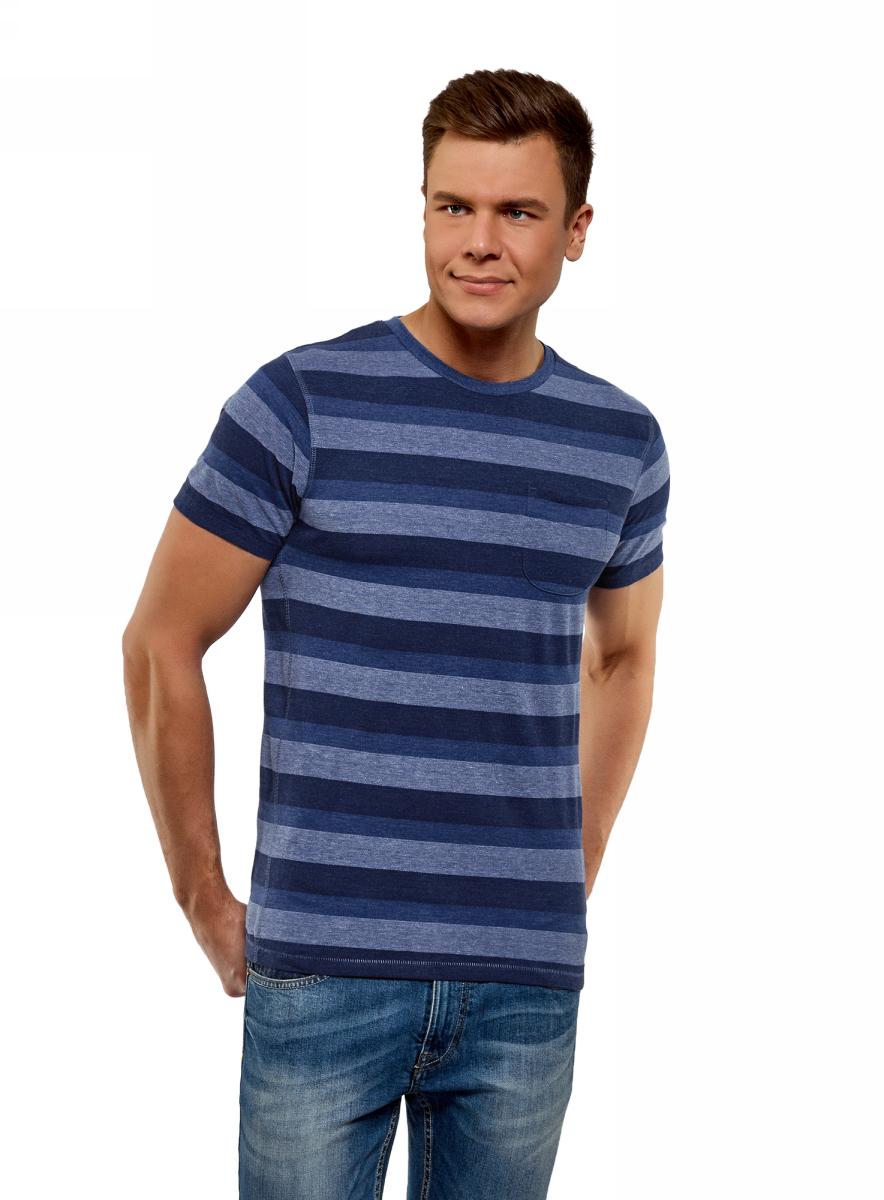 Футболка мужская oodji Lab, цвет: темно-синий, индиго. 5L611430M/48025N/7978S. Размер XS (44)5L611430M/48025N/7978SСтильная футболка прямого кроя. У модели круглая горловина и короткие рукава, на груди удобный карман. Легкий трикотаж с принтом эластичен и приятен для тела. Благодаря прямому крою футболка мягко подчеркивает силуэт. Она подойдет для любых типов фигуры. Принтованная футболка с карманом на груди станет одним из ваших любимых предметов гардероба. Она сделает образ выразительным и привлечет к вам внимание. Ее можно носить в любой неформальной обстановке. Футболка будет красиво смотреться с джинсами и расстегнутой рубашкой из денима. Лук дополнят мокасины или дезерты. Расставить акценты легко при помощи стильных аксессуаров – кожаного ремня, часов или браслетов. Такой наряд будет уместен в кино или кафе, на городских прогулках или встрече с друзьями. Футболка гармонично сочетается с шортами или бриджами. На ноги можно надеть кеды, слипоны или сандалии. В таком комплекте вы будете чувствовать себя свободно и непринужденно. Элегантная футболка подчеркнет ваш вкус и подарит вам чувство комфорта на протяжении всего дня.