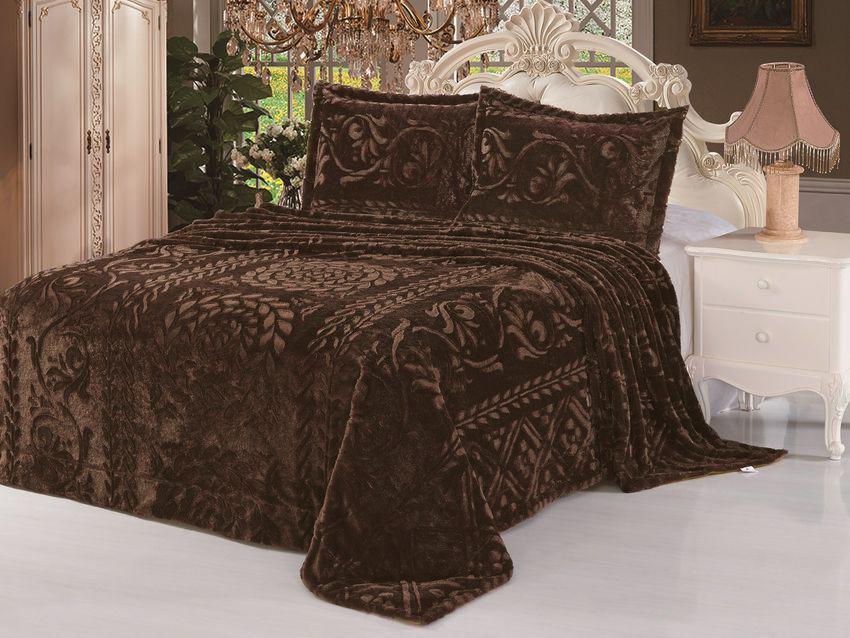 Комплект для спальни Tango Vermont: покрывало 220 х 240 см, наволочки 50х70 см, цвет: коричневыйtan105041Плед (покрывало) из искусственного меха непременно станет ярким акцентом в интерьере. С его помощью можно красиво и уютно оформить кровать, диван или кресло. Пледы (покрывала) из искусственного меха разнообразны по фактуре и цветовой гамме, они имитируют мех различных животных, имеют мягкую, приятную на ощупь подкладку под замшу. Пледы (покрывала) смотрятся богато и изысканно, способны создать атмосферу спокойствия и уюта, как в загородном доме, так и в городской квартире. За пледом (покрывалом) из искусственного меха проще ухаживать, чем натуральным. Плед (покрывало) из натурального меха стоит намного дороже, ведь они экологичны.Стриженый узор выполняется на изделиях с ворсом. Он подчеркивает объем нанесенного рисунка или же, если изделие однотонное, представляет собой полноценный узор. Стриженный узор один из самых долговечных видов декора, за изделиями со стриженным узором не нужен особый уход.