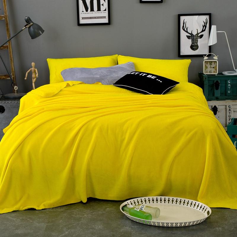 Плед Tango Arcobaleno, цвет: желтый, 150 х 200 смtan321772Фланель - гладкая и мягкая ткань из хлопка камвольной пряжи, иногда с примесью шёлковых нитей или же полностью из синтетики, с низким ворсом. Покрывала и пледы из фланели теплые, мягкие, идеально подходят для межсезонья. За счет того, что ткань низковорсистая, проблема катышек не появится. Пледы и покрывала из фланели нежные и мягкие, они подарят Вам тепло и радость.