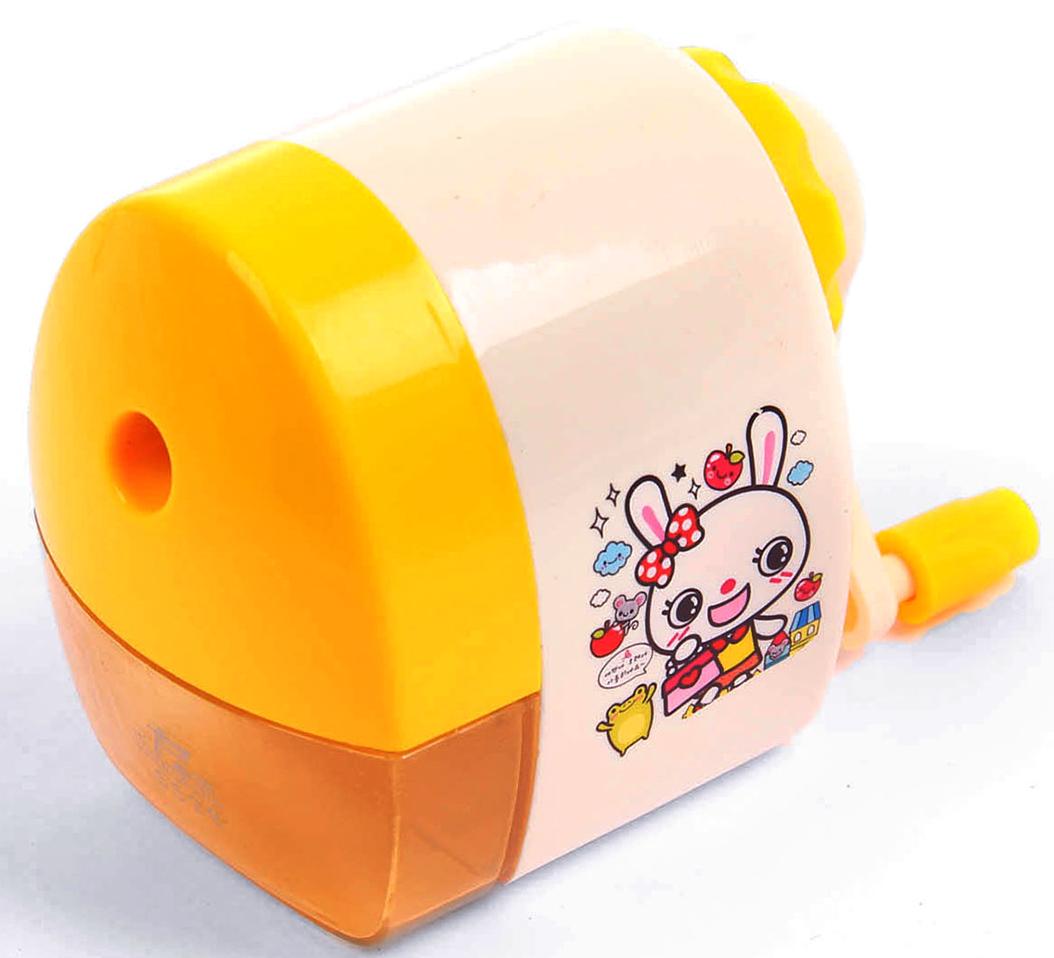 Точилка механическая с контейнером Классика с рисунком цвет желтый 29241972924197_желтыйТочилка — это приспособление, облегчающее затачивание карандашей. В зависимости от особенностей конструкции, она может быть ручной (небольшой размер, помещается в кармане) или настольной (более крупный размер) и подходить для обычных или толстых карандашей. Точилка — необходимый инструмент на любом школьном или офисном столе. Это канцелярское изделие придет на помощь как взрослому, так и ребенку в самый нужный момент.