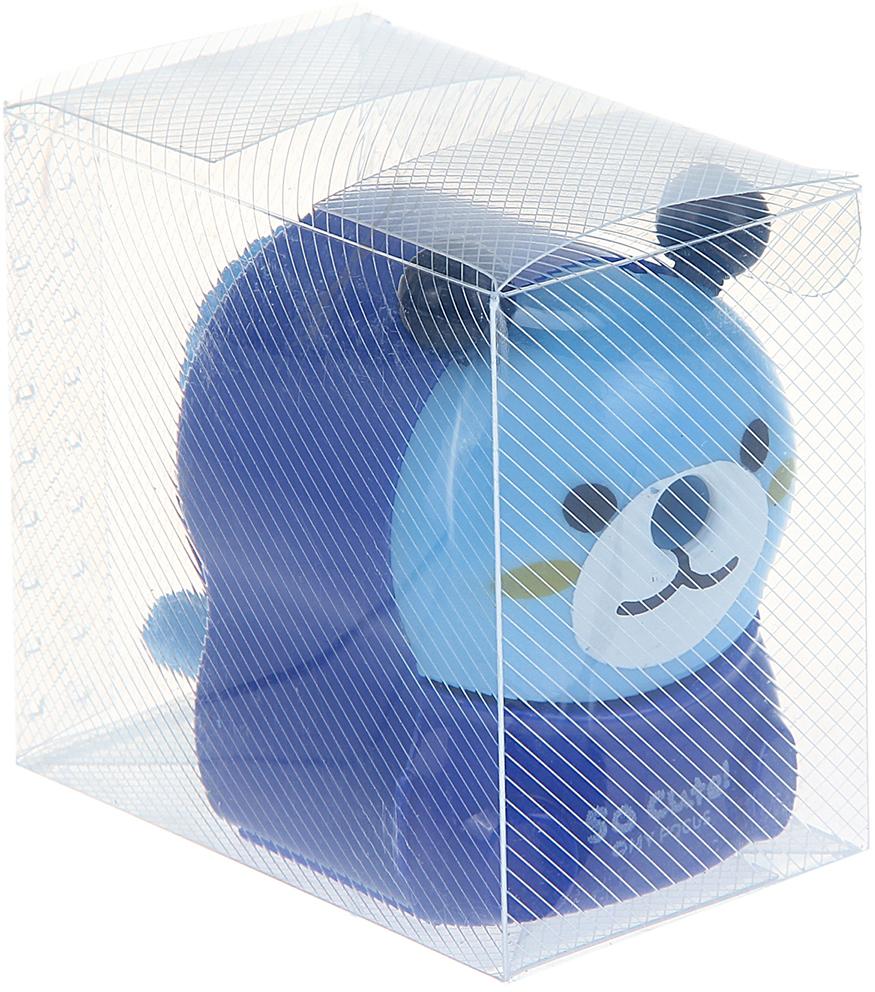 Точилка механическая с контейнером Мишка цвет синий 10975271097527_синийТочилка — это приспособление, облегчающее затачивание карандашей. В зависимости от особенностей конструкции, она может быть ручной (небольшой размер, помещается в кармане) или настольной (более крупный размер) и подходить для обычных или толстых карандашей. Точилка — необходимый инструмент на любом школьном или офисном столе. Это канцелярское изделие придет на помощь как взрослому, так и ребенку в самый нужный момент.