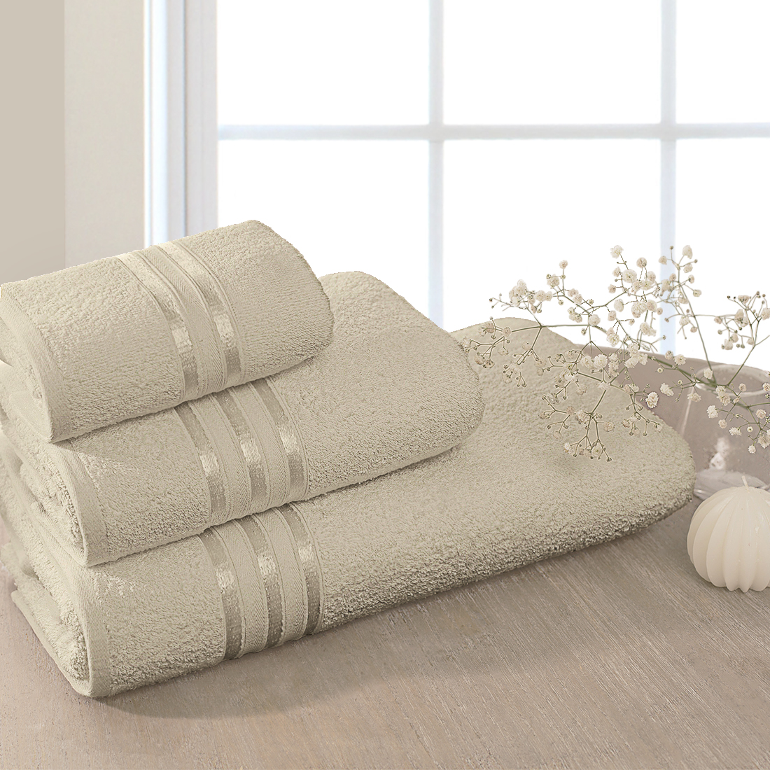 """Полотенце банное Dome """"Harmonika"""" - это махровое полотно, созданное из хлопковых нитей, которые, в свою очередь, прядутся из множества хлопковых волокон. Чем длиннее эти волокна, тем прочнее будет нить, и, соответственно, изделие. Длина составляющих хлопковую нить волокон влияет и на фактуру получаемой ткани: чем они длиннее, тем мягче и пушистее получится махровое изделие, тем лучше будет впитывать изделие воду. Мягкая махровая ткань отлично впитывает влагу и быстро сохнет."""