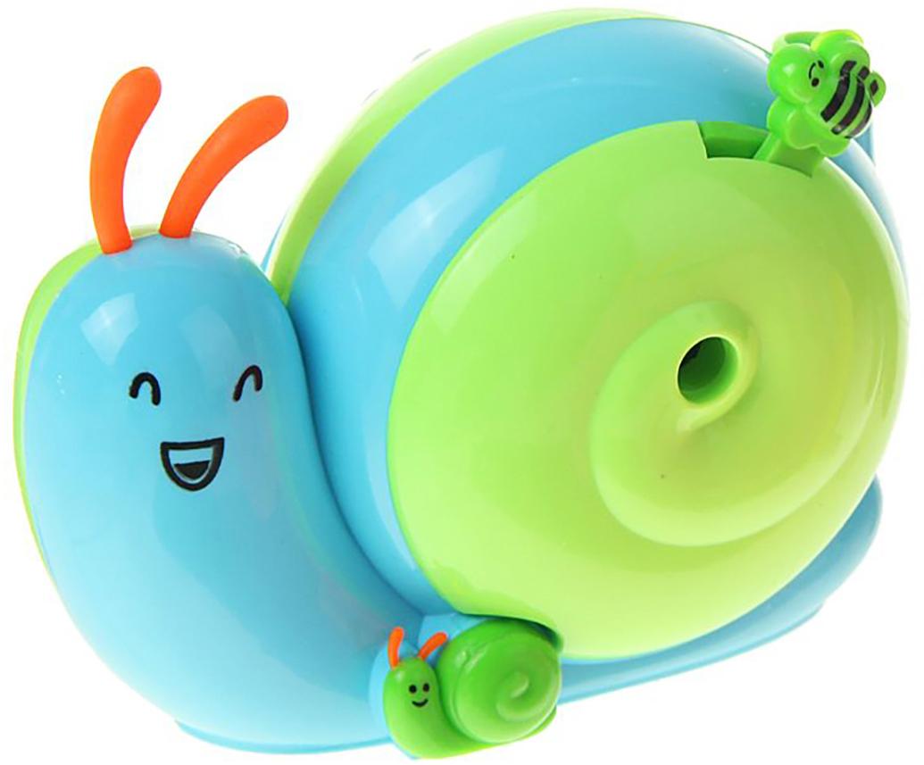 Точилка механическая с контейнером Улитка цвет голубой 15054461505446_голубойТочилка — необходимый инструмент на любом школьном или офисном столе. В зависимости от особенностей конструкции она может быть ручной (небольшой размер, помещается в кармане) или настольной (более крупная) и подходить для обычных или толстых карандашей. Заострить, выровнять или восстановить сломавшийся грифель — вот главные функции этого приспособления.