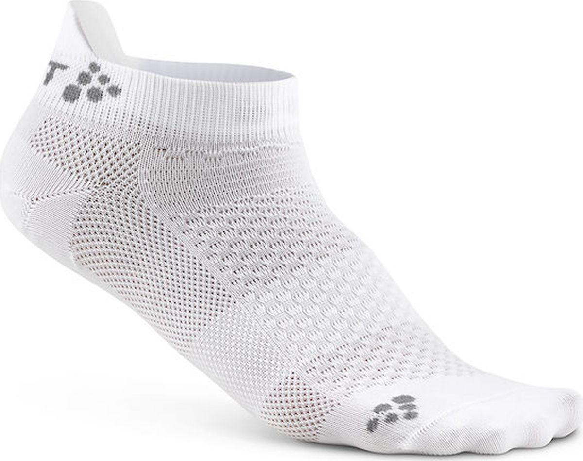 Носки Craft Cool, цвет: белый, 2 пары. 1905043/2900. Размер (37/39)1905043/2900Легкие и тонкие носки для занятий спортом любой интенсивности. Проветриваемые сетчатые вставки и плоские швы. Структура ткани поддерживает свежесть тела во время тренировки, обеспечивает испарение влаги наружу.