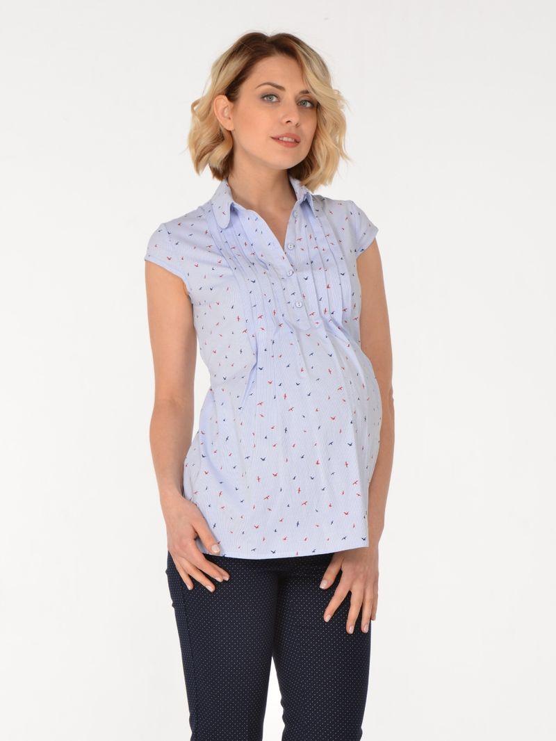 Блузка для беременных BuduMamoy, цвет: голубой. RI BL 644 TL 638. Размер 46RI BL 644 TL 638Женственная блузка из хлопковой ткани для будущих мам. Изделие с короткими рукавами, застежкой на пуговицы, отложным воротничком и защипами по переду, переходящими в складки. Отличный вариант как в офис, так и на каждый день! Блузка привнесет в образ нотки романтичности и нежности. Длина изделия по спинке 68см.