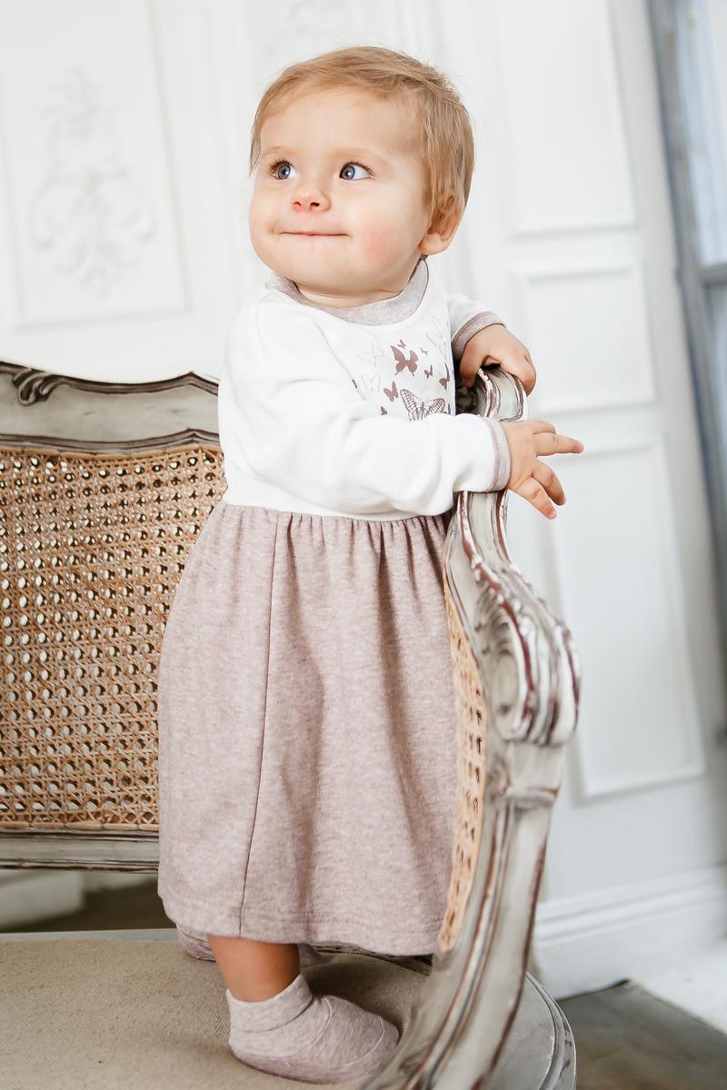 Платье для девочки Lucky Child Дюймовочка, цвет: бежевый. 37-62. Размер 62/6837-62Как бы сильно не менялась мода, платье всегда остаётся самым желанным и женственным элементом гардероба. Платье из коллекции Дюймовочка оценит каждая настоящая девочка: оно лёгкое, как крылья бабочки, и элегантное, как наряд принцессы. В таком платье можно покорить не только принца (зачем вообще эти принцы?), но и вот ту милую лохматую собачку под столом.