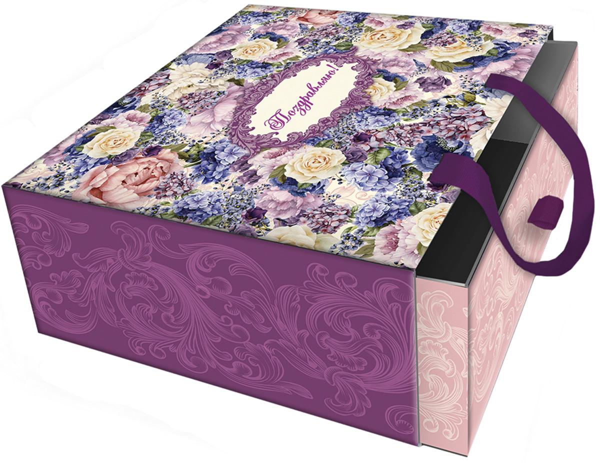 Подарочная коробка Лиловые букеты из мелованного, ламинированного, негофрированного картона плотностью 1100 г/м2, с полноцветным декоративным рисунком на внутренней и наружной части, с ручкой-лентой из тесьмы (полиэстер). Окружите близких людей вниманием и заботой, вручив презент в нарядном, праздничном оформлении!