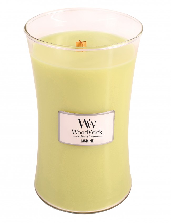 Свеча ароматизированная WoodWick Жасмин, высота 18 см93198Жасминовые ноты, окруженные нежными белыми лепестками в новое весеннее утро. Ароматические свечи от WoodWick позволят вам почувствовать уютный комфорт пылающего камина в любом месте вашего дома, благодаря фитилю, сделанного из органического дерева. У свечи длинное танцующее пламя и успокаивающее потрескивание при горении. Изготовлена она из высококачественной соевой восковой смеси, которая равномерно сгорает и выделяет разные ароматы. Все свечи имеют стеклянную упаковку и древесную крышку. Эти роскошно душистые свечи будут гореть примерно в течение 130 -180 часов.