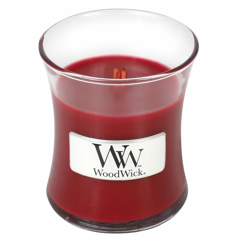 Свеча ароматизированная WoodWick Гранат, высота 6 см свеча ароматизированная woodwick гранат высота 6 см