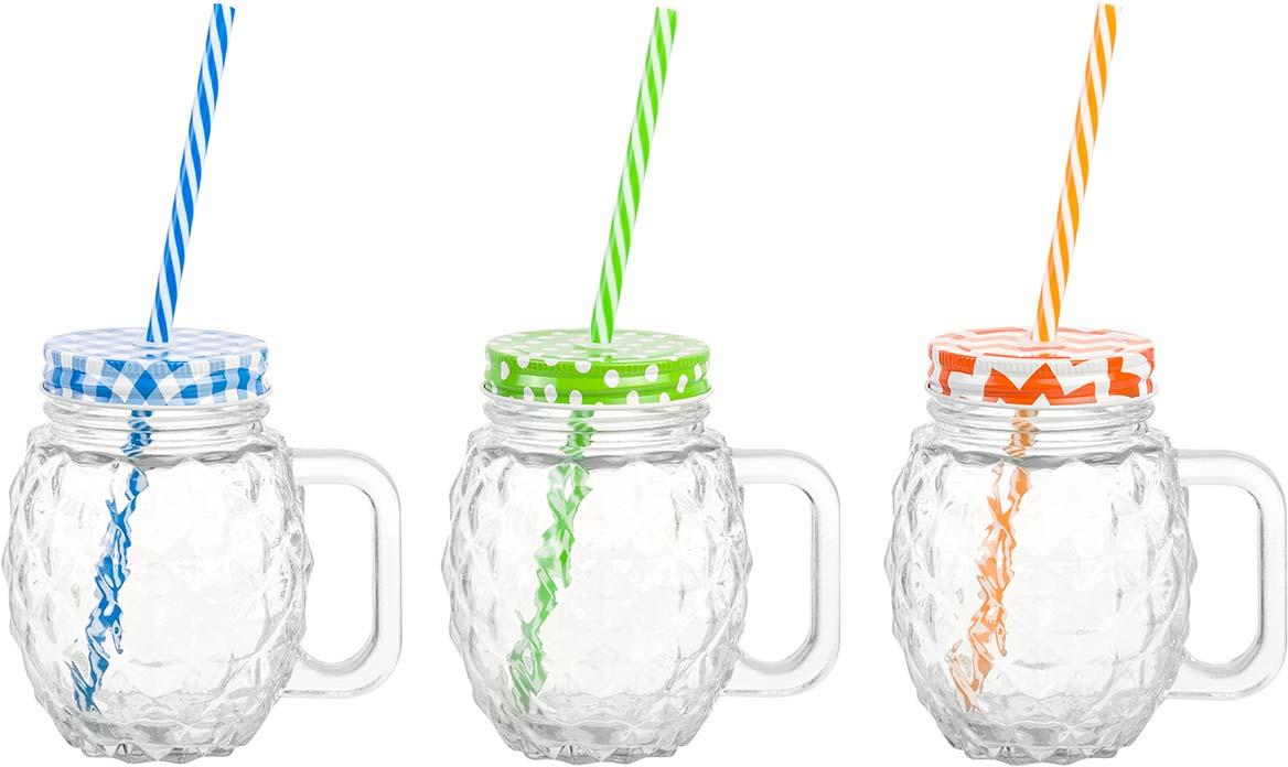 Набор кружек для коктейля состоит из трех кружек объемом 550 мл каждая, жестяных крышек различных цветов и пластиковых трубочек в тон крышкам кружек. Кружки выполнены из качественного стекла с рельефным рисунком в форме ананаса. Набор можно использовать для подачи коктейлей, глинтвейна, холодного чая и любых других напитков. Крышка плотно закрывает кружку, а трубочка вставляется в специальное отверстие в крышке, что позволяет пить напитки не проливая ни капли. А яркая упаковка делает этот набор прекрасным полезным и необычным подарком. В коллекции банок из стекла с жестяными крышками также представлены банки для хранения различных размеров и форм и банки с металлическими защелками - вы сможете эстетично и удобно разместить все необходимое на вашей кухне собрав набор из необходимых вам предметов.