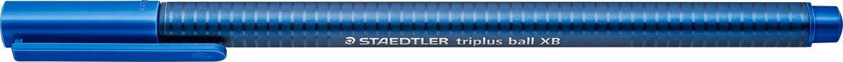 Staedtler Шариковая ручка Triplus Ball цвет чернил синий437XB-3Шариковая трехгранная ручка triplus ball 437 серии. Цвет синий. Эргономичная форма для удобного и легкого письма. Цвет корпуса соответствует цвету чернил. Очень гладкое и легкое письмо за счет оптимального диаметра шарика (1,4 мм). Толщина линии XB (супертолстая) - приблизительно 0,7 мм. Безопасно для самолетов - автоматическое выравнивание давления предотвращает от вытекания чернил на борту самолета.