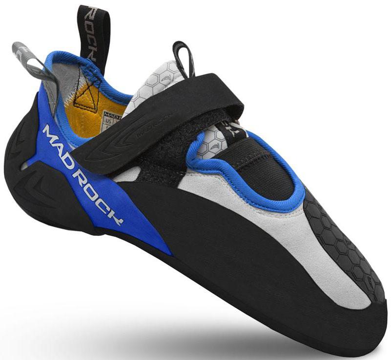 У скальников Mad Rock Drone HV колодка на широкую ногу, 3D литая пятка, изменена, по сравнению с Shark, позволяет как накатывать, так и подцеплять меленькую зацепку. 3D литая деталь пятки имеет с боков прорези, позволяющие одеть скальник на пятку более плотно. Застежки-липучки ламинированы сверху, а не прошиты, что позволяет отрезать лишнее, подгоняя под удобную длину. Основа скальных туфель сделана из одного куска материала, который при производстве натягивается и скручивается восьмёркой, что придает дополнительную жесткость в средней части скальника. При этом достигается дополнительная агрессивность подошвы. По сравнению с Shark, Dron посажен на новую колодку и получил форму носка более смещенную к большому пальцу. Язычок мягкий и тянущийся для большего комфорта. Рекомендуется выбирать размер равный размеру вашей обуви для улицы.Назначение: Скальники для боулдеринга, сложности , соревнований, тренировок, лазания по скалам.Материал верха: ЭластичныйЗастежка: Одна липучкаЖесткость: СредняяПодошва: Science Friction 3.0Резина подошвы: Science Friction R2Пятка: 3D Hooking HeelОсобенности модели: 3D литая деталь пятки имеет с боков прорези, позволяющие одеть скальник на пятку более плотно.Толщина ранта: Резина R2 2.4 ммФорма колодки: АссиметричнаяВес пары: 238 гр. (US р.9)