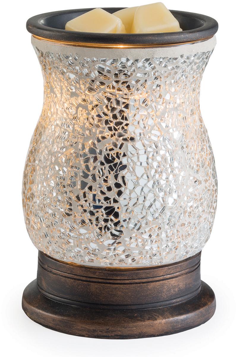 Аромалампа настольная Candle Warmers Зеркальное стекло / Reflection, цвет: серебристыйGMREFАромасветильник настольный Candle Warmers. Красивый светильник, с помощью которого можно не только создать уютную атмосферу, но и ароматизировать помещение. Для ароматизации, просто добавьте воск, включите, и наслаждайтесь вашим любимым ароматом в комнате. Серебряная стеклянная поверхность мозаики сверкает и переливается при включении аромасветильника.