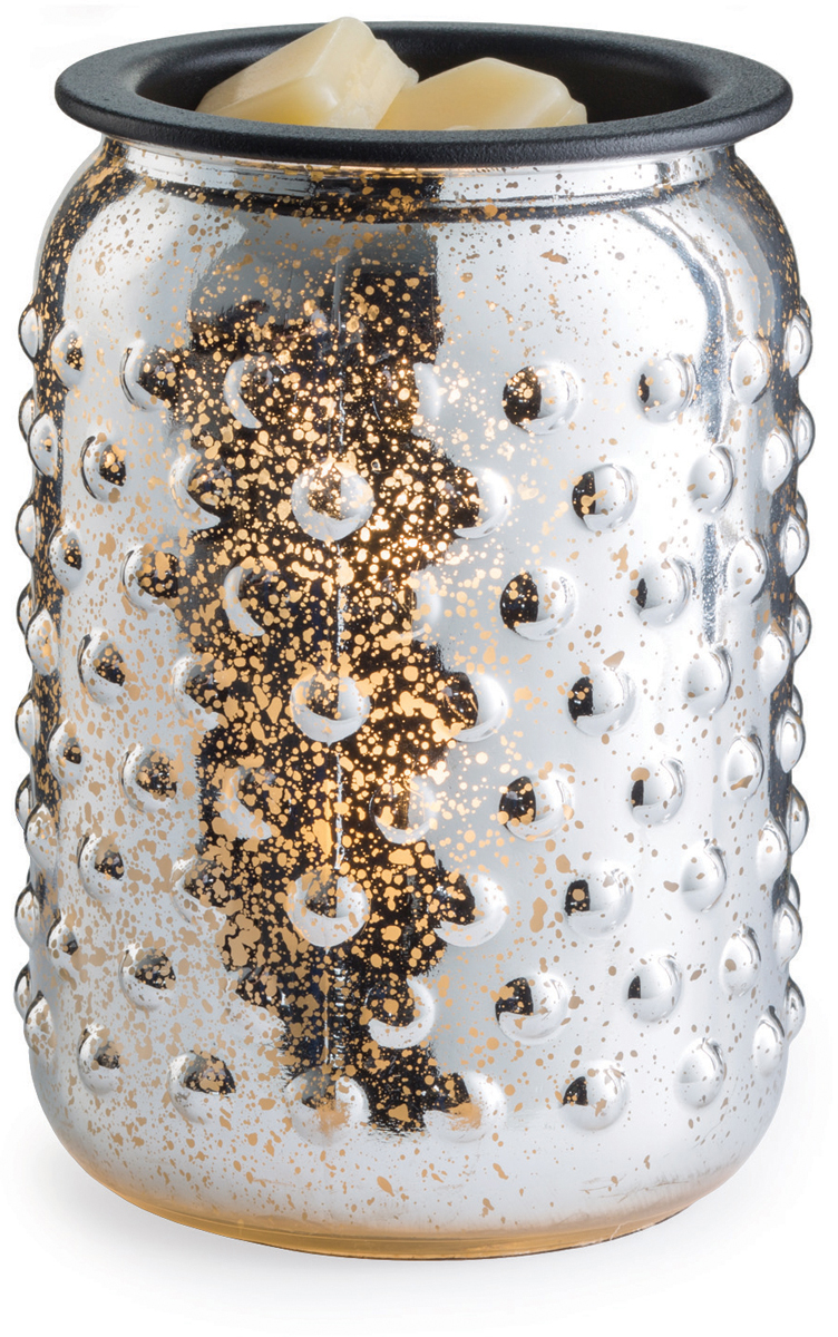 Аромалампа настольная Candle Warmers Серебряный Меркурий / Mercury Glass Illumination, цвет: серебристыйGMMERАромасветильник настольный Candle Warmers. Красивый светильник, с помощью которого можно не только создать уютную атмосферу, но и ароматизировать помещение. Для ароматизации, просто добавьте воск, включите, и наслаждайтесь вашим любимым ароматом в комнате. Аромасветильник стекло серебряного меркурия при включении излучает золотой свет.