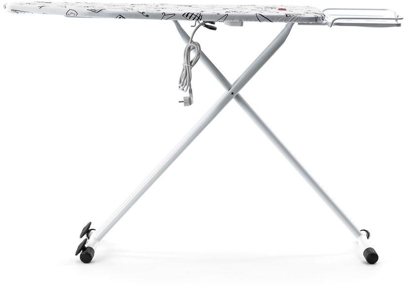 Классическая зауженная гладильная доска MIE Grazia-С white оборудована встроенной электрической розеткой для подключения утюга или парогенератора, а также удлинителем 1,8 м. Эта полезная функция широко востребована среди домохозяек, так как дает при глажке свободу действий, даже при использовании техники с небольшой длиной сетевого шнура. Рабочая поверхность MIE Grazia-С white размером 120 х 43 см выполнена из металлической сетки, пропускающей пар и исключающей скопление влаги и конденсата. Широкая подставка для парогенератора с утюгом размером 42 х 28 см имеет борт высотой 2 см, что гарантирует безопасное устойчивое положение техники. При установке утюга на подставку необходимо использовать термостойкий резиновый коврик. Каркас MIE Grazia-С white представляет собой устойчивые перекрестные ножки из металла с резиновыми наконечниками. Кроме этого, для легкого перемещения гладильной доски в сложенном виде до места хранения, ножки оборудованы колесиками. MIE Grazia-С white имеет ступенчатую механическую регулировку высоты в диапазоне 74 – 94 см (4 позиций). Модель MIE Grazia-С представлена в двух цветовых решениях: с чехлом белого цвета с изображением бытовой техники и каркасом цвета milk-white, а также со стильным чехлом синего цвета с изображением плечиков для одежды и каркасом цвета black. К этой модели гладильной доски в наличии имеются чехлы других расцветок, которые возможно приобрести дополнительно.