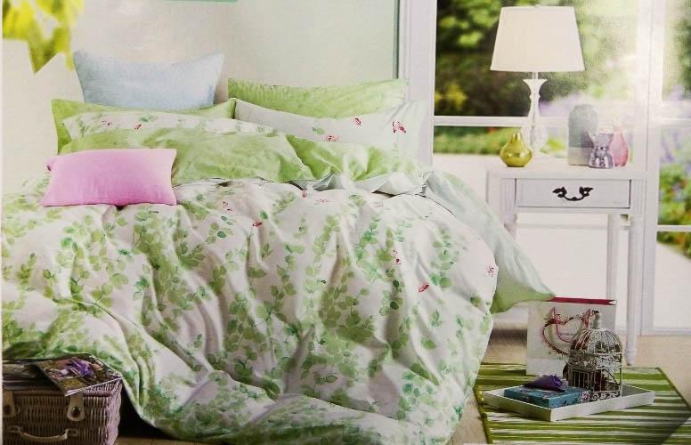 Комплект постельного белья Tango Denver, 2-спальный, наволочки 70x70, цвет: зеленый, белыйtan183454Наволочки с декоративным кантом особенно подойдут, если вы предпочитаете класть подушки поверх покрывала. Кайма шириной 5-10 см с трех или четырех сторон делает подушки визуально более объемными, смотрятся они очень аккуратно, даже парадно. Еще такие наволочки называют оксфордскими или наволочками «с ушками».Сатин средней плотности – золотая середина среди сатинового постельного белья. Он достаточно плотный, долго не изнашивается, но стоит дешевле сатина повышенной плотности. Комплект из сатина не блестит как шелк, но приятен на ощупь и довольно мягкий. Краска на этой ткани держится очень хорошо: новое белье не полиняет и со временем не станет выцветать.
