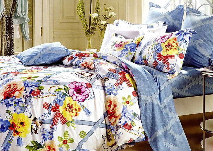 Комплект постельного белья Tango Arryn, евро, наволочки 50x70, цвет: белый, голубойtan99478Сатин средней плотности – золотая середина среди сатинового постельного белья. Он достаточно плотный, долго не изнашивается, но стоит дешевле сатина повышенной плотности. Комплект из сатина не блестит как шелк, но приятен на ощупь и довольно мягкий. Краска на этой ткани держится очень хорошо: новое белье не полиняет и со временем не станет выцветать.