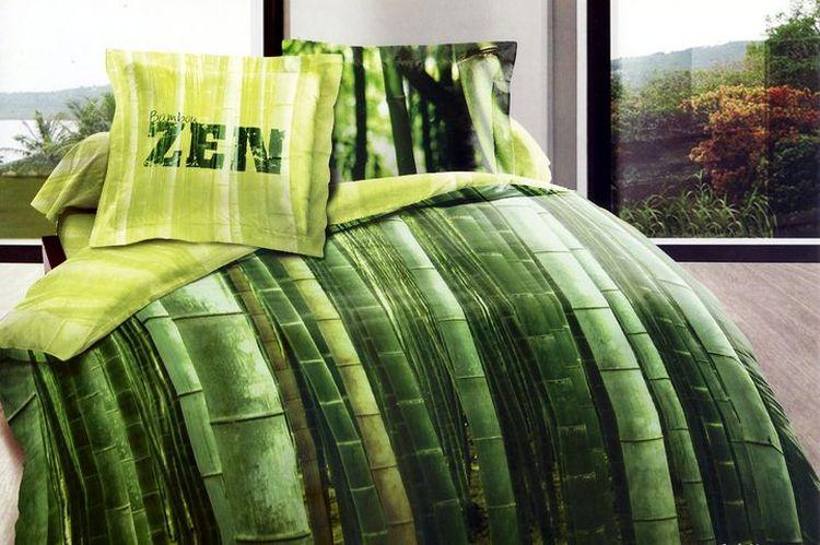 Комплект постельного белья Tango Uriela, семейный, наволочки 50x70, цвет: зеленыйtan99752Сатин средней плотности – золотая середина среди сатинового постельного белья. Он достаточно плотный, долго не изнашивается, но стоит дешевле сатина повышенной плотности. Комплект из сатина не блестит как шелк, но приятен на ощупь и довольно мягкий. Краска на этой ткани держится очень хорошо: новое белье не полиняет и со временем не станет выцветать.