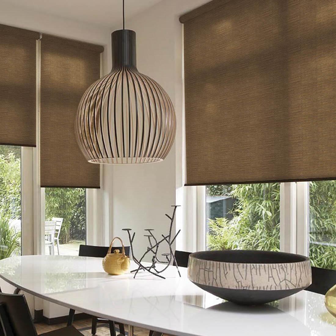 Шторы из бамбука – оригинальный современный аксессуар для создания необычного интерьера в восточном или минималистичном стиле. Особенность устройства полотна позволяет свободно пропускать дневной свет, что обеспечивает мягкое освещение комнаты. Это натуральный влагостойкий материал, который легко вписывается в любой интерьер, хорошо сочетается с различной мебелью и элементами отделки. Использование бамбукового полотна придает помещению необычный вид и визуально расширяет пространство. Кронштейны - специальные крючки-держатели, которые крепятся на поверхность, а на них крепится штора. Такой вид крепления обычно используется для рулонных, французских, римских или австрийских штор. Кронштейны держат конструкцию из вала (карниза), на котором находится полотно, и механизма подъема/опускания шторы.ВНИМАНИЕ! Комплектация штор может отличаться от представленной на фотографии. Фактическая комплектация указана в описании изделия.Производитель: Dome. Cтрана бренда: Дания.Рулонные шторы. Материал портьеры: Бамбук. Состав портьеры: бамбуковое волокно с нитью из полиэстера. Размер портьеры: 43 х 172 см. (1 шт.). Вид крепления: Кронштейны. Тип карниза: Без использования карниза. Рекомендуемая ширина карниза (см.): 45 -90. Светозащита 55-85%.В комплект входят: - Крепления на отрытую створку окна.- Кронштейны для вала со шторкой. - Вал с тканью (шторка). - Цепочка для регулирования шторы.- Утяжелитель для шторки. Крепление на глухую створку, направляющие, фиксатор для цепочного механизма - приобретаются отдельно. Максимальный размер карниза, указанный в описании, предполагает, что Вы будете использовать 2 полотна на одно окно. Обратите внимание на информацию о том, сколько полотен входит в данный комплект изначально. Зачастую шторы продаются по одному полотну, чтобы дать возможность подобрать изделия в желаемом цвете и стиле, создавая свое неповторимое сочетание.Комплектация: 1 портьера, крепления на отрытую створку окна, кронштейны для вала со шторкой, цепочка для регулирования што