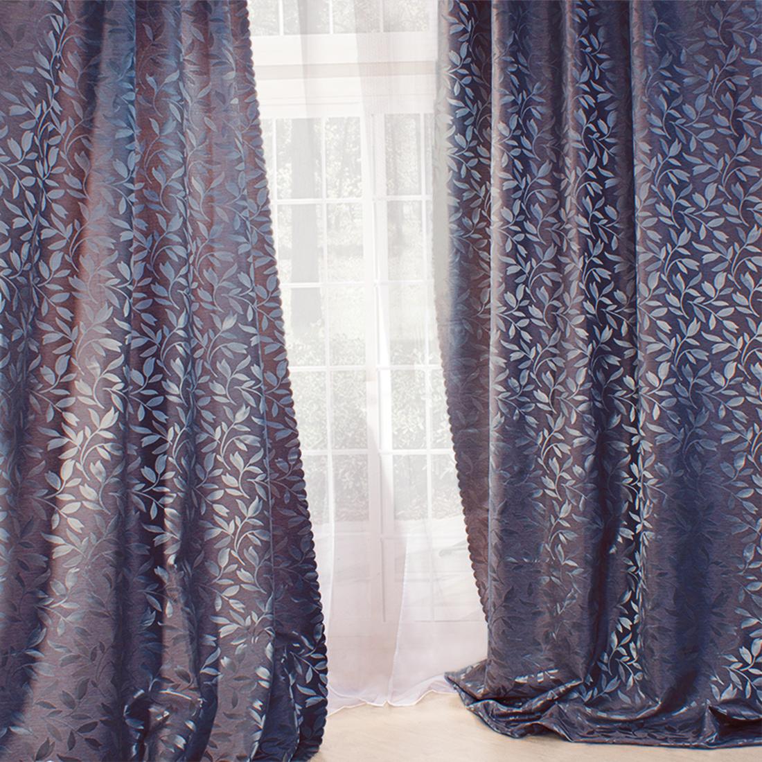 Шторы сделаны из жаккарда - ткани фактурного плетения, в которой нити очень плотно переплетены и образуют узорчатый рельеф. При таком плетении достигается очень высокая плотность нитей на единицу площади, поэтому всякий жаккард заведомо долговечнее любого другого материала, полученного одним из простых способов плетения. Петли перекручены, при растяжке не распускаются. Благодаря этому ткань жесткая, прочная, но не тяжелая, менее подвержена истиранию. Жаккард очень практичный материал, неприхотливый в уходе.Шторная лента — это тесьма, основное назначение которой – создавать драпировку. Вверху штора собирается с помощью тесьмы и образует ровные складки по всей длине занавески. В зависимости от типа тесьмы частота и вид складок могут быть различными. За счет складок сама штора выглядит динамично и пышно. Повесить штору на шторной ленте можно при помощи крючков или колец, которые необходимо приобретать отдельно или же они поставляются в комплекте с карнизом.Eleganta — молодой китайский бренд, вдохновленный европейскими дизайнами. В ассортименте бренда текстиль, призванный создавать уют и добавлять изящности интерьеру. В производстве продукции Элеганта используются качественные фабричные ткани и европейские технологии, что позволяет достичь первоклассного качества.ВНИМАНИЕ! Комплектация штор может отличаться от представленной на фотографии. Фактическая комплектация указана в описании изделия.Производитель: ElegantaCтрана бренда: КитайКлассические шторыМатериал портьеры: ЖаккардСостав портьеры: 100% полиэстерРазмер портьеры: 150х270 см (2 шт.)Вид крепления: ЛентаРекомендуемая ширина карниза (см): 150-200Особенность: С подхватамиЗаказывая шторы нужно помнить, что полотно портьеры (2 шт. для 1 окна) и гардины (1 шт на окно) не вешается «в натяжку». Исключение составляют римские и японские шторы. Все остальные модели предусматривают образование складок, а для этого ширина шторы должно быть больше длины карниза (как правило в 1.5-2.5 раза). Чем больше соотношение тем гуще скл