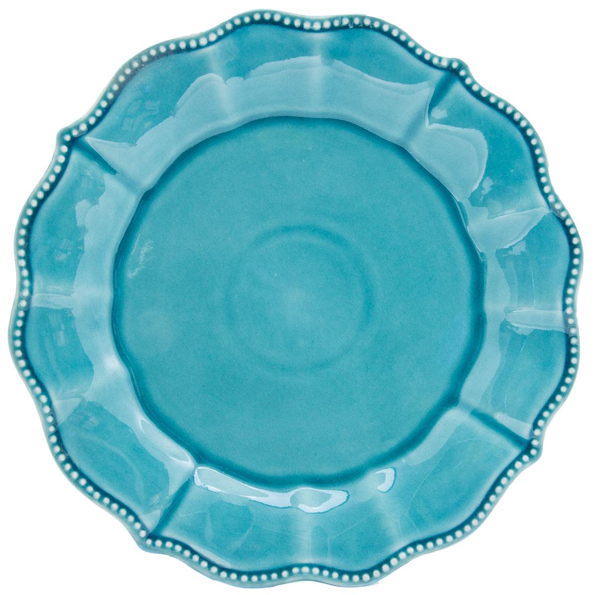 Тарелка обеденная GiftnHome Голубая жемчужина, цвет: голубой перламутр, диаметр 27 смPL-27 BlueТрадиционная европейская посуда, в стиле Кантри, из Португалии. Серия изготовлена из твердой и каменной керамики, обладающей особыми свойствами прочности по сравнению с более пористыми аналогами (фаянс, доломит). Кроме того, данный вид керамики относится к экологичным материалам и отмечался международной ассоциацией качества на протяжении нескольких десятков лет. Данная серия керамики, имеет специальную обработку - браширование, /brushing/ в стиле АНТИК на поверхности эмали, что повышает ее привлекательность и ценность среди посудных аналогов. особенно - для потребителей, разбирающихся в культуре современных трендов и стилей. Товар такого типа переходит в разряд винтажной посуды, что всегда ценится больше в денежном выражении. Она относит нас к временам прабабушек, в старую деревенскую таверну или деревенский домик южной Европы, несет в дом тепло и уют, ощущение добротности и качества, национальных традиций старой Европы, проверенных несколькими поколениями на протяжении многих десятков лет.