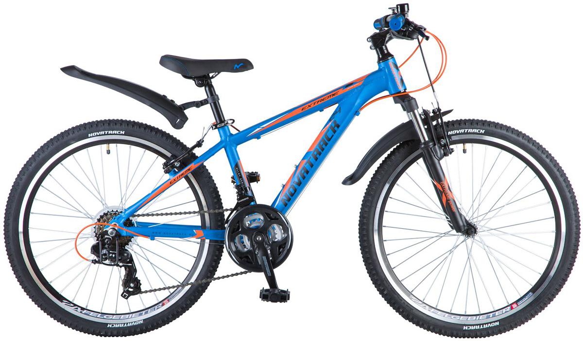 Велосипед детский Novatrack Extreme, цвет: синий, 24, рама 1324AHV.EXTREME.13BL8ВелосипедNovatrack Extreme - это стильный подростковый хардтейл с рамой из алюминия, оборудованный переключателем известного бренда Shimano. Велосипед высокой проходимости - легкий и маневренный. Амортизирующая вилка отлично воспринимает нагрузку от всех неровностей обкатываемой поверхности. Велосипед подойдет для езды по бездорожью, и станет отличным подарком для подростка. Прочная рама из алюминиевого сплава обеспечивает высокую надежность рамы и легкий вес. Широкий диапазон из 21 скорости позволит легко взобраться в любую гору и быстро ехать по гладким участкам, а легкие и надежные ободные тормоза обеспечат комфортное торможение. Велосипед оборудован алюминиевыми ободами, которые не боятся коррозии.