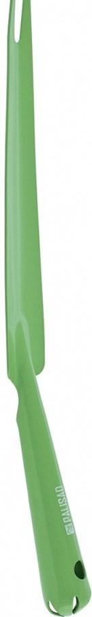 Изготовлен из листовой среднеуглеродистой стали методом штамповки.  Благодаря цельнометаллической конструкции инструмент выдерживает работу с плотными почвами.  Покрытие порошковой эмалью надежно защищает металл от коррозии.