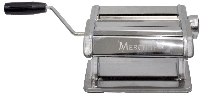 Лапшерезка Mercury. MC-6091MC-6091Материал: высококачественная нержавеющая сталь. Подходит для раскатки теста, приготовления лазаньи, домашней лапши и пасты. Ширина раскатки теста: 180 мм. Регулируемая ширина раскатки теста. Нарезной блок для узкой и широкой лапши: 3 мм и 6 мм.