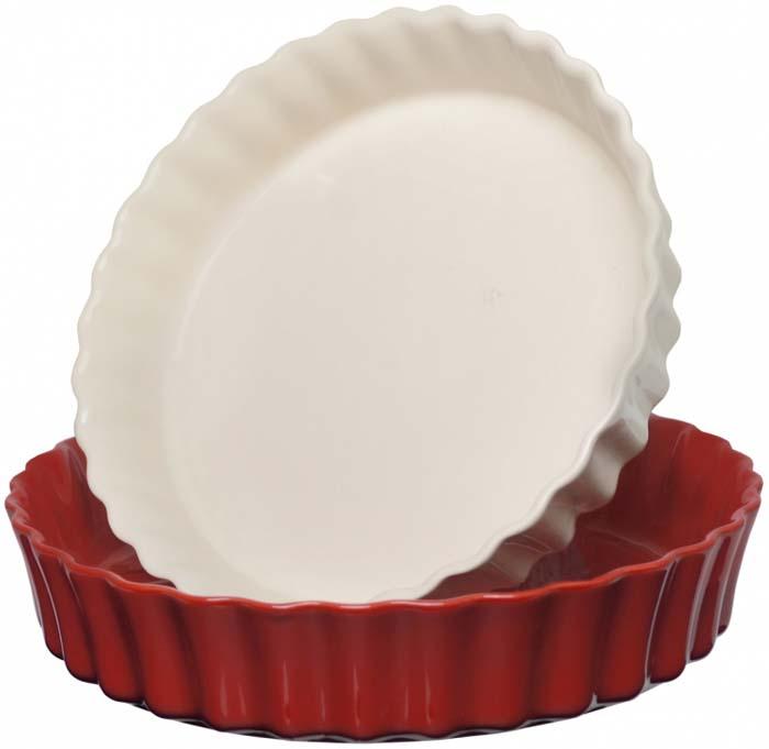Набор состоит из двух форм: диаметром 28 см в красном цвете и диаметром 24 см в бежевом цвете. Формы можно вложить одну в другую, что удобно для компактного хранения. Клафути - особый французский десерт, нежно тающий во рту, должен готовиться медленно и пропекаться равномерно. Эта керамическая форма незаменима для его приготовления. А порционный размер формы, прекрасно сохраняющий температуру, удобен для подачи блюда прямо на стол.