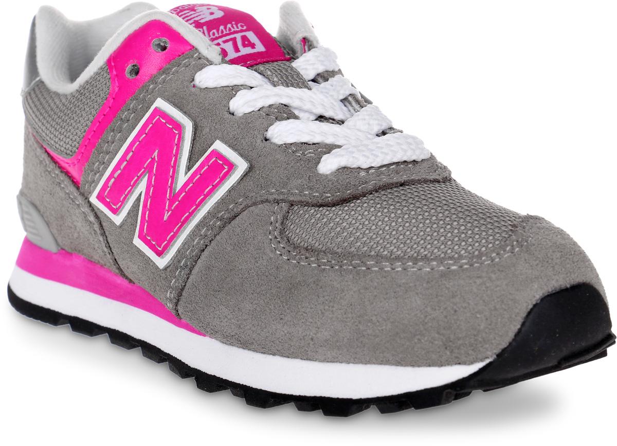 Кроссовки для девочки New Balance 574, цвет: бежевый, розовый. PC574GP/M. Размер 12 (30)PC574GP/MСтильные кроссовки для девочки от New Balance не оставят вашего ребенка равнодушным. Модель выполнена из высококачественных материалов. По бокам обувь оформлена декоративными элементами в виде фирменного логотипа бренда, на язычке - фирменной нашивкой. Классическая шнуровка надежно зафиксирует изделие на ноге. Подкладка и стелька, изготовленные из текстиля, гарантируют уют и предотвращают натирание. Прочная и легкая подошва, дополненная рифлением, обеспечит идеальное сцепление с любой поверхностью. Удобные кроссовки отлично подойдут для прогулок или дальних поездок.