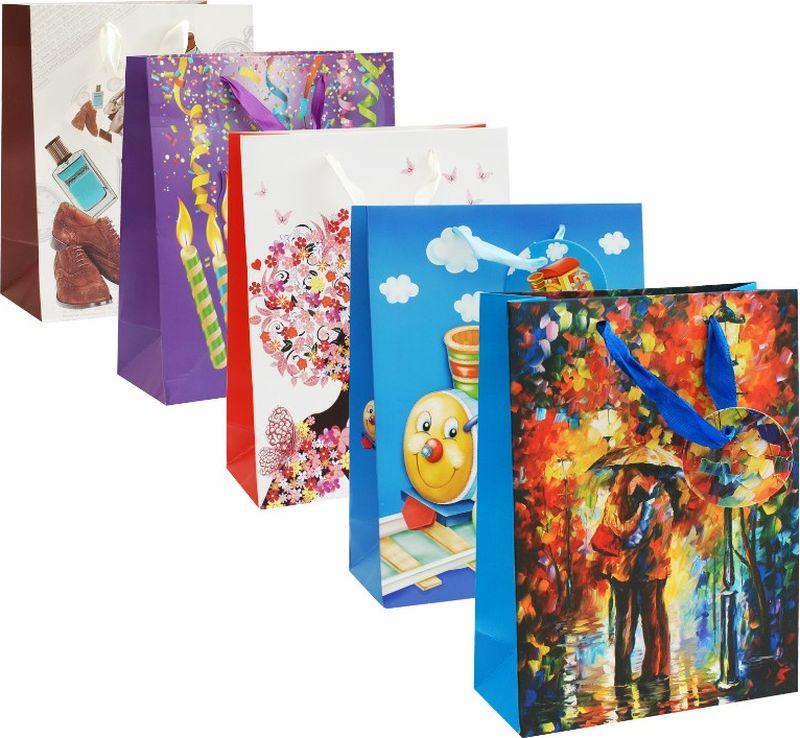 """Оригинальныеподарочные пакетыстанут прекрасным дополнением для вашего подарка. Пакеты выполнены из качественной плотной бумаги с хорошей печатью, объемные элементы на пакете придают дополнительный яркий акцент. Набор пакетов """"Настроение"""" Количество: 5 шт В наборе: пакет Весеннее настроение, пакет Поцелуй под дождем, пакет Паровозик, пакет Лучший день, пакет Элегант   Материал: бумага Толщина бумаги: 210 г /м2 Размер : 18 х 24 х 8 cм."""