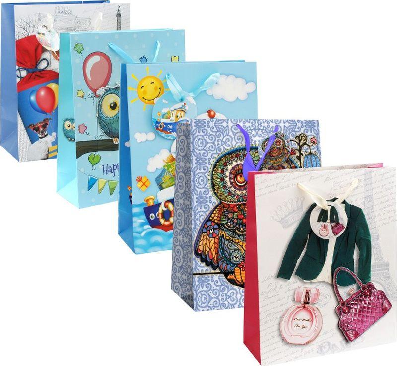 Оригинальныеподарочные пакетыстанут прекрасным дополнением для вашего подарка . Пакеты выполнены из качественной плотной бумаги с хорошей печатью, объемные элементы на пакете придают дополнительный яркий акцент. Набор пакетов Ассорти.  Количество: 5 шт  В наборе: пакет Волшебная сова, пакет Поздравление от совят, пакет Кораблик, пакет Дамский стиль, пакет Собачьи истории  Материал: бумага Толщина бумаги: 210 г /м2 Размер : 26*32*10 cм.