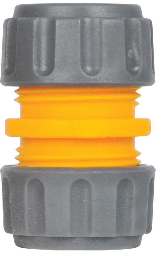 Коннектор HoZelock 2100 для ремонта шлангов (12,5 мм) Предназначен для ремонта поврежденного шланга или постоянного соединения двух шлангов диаметром 12,5 мм. • Подходит ко всем шлангам диаметром 12,5 мм • Обеспечивает герметичное соединение без протечек • Возможность снятия и повторного использования при необходимости • Лекая установка благодаря резьбовому соединению Вместо того, чтобы выкидывать испорченный шланг, просто вырежьте поврежденный кусок шланга и соедините два получившихся отрезка прямым Коннектором. Или используйте Коннектор для наращивания шланга.