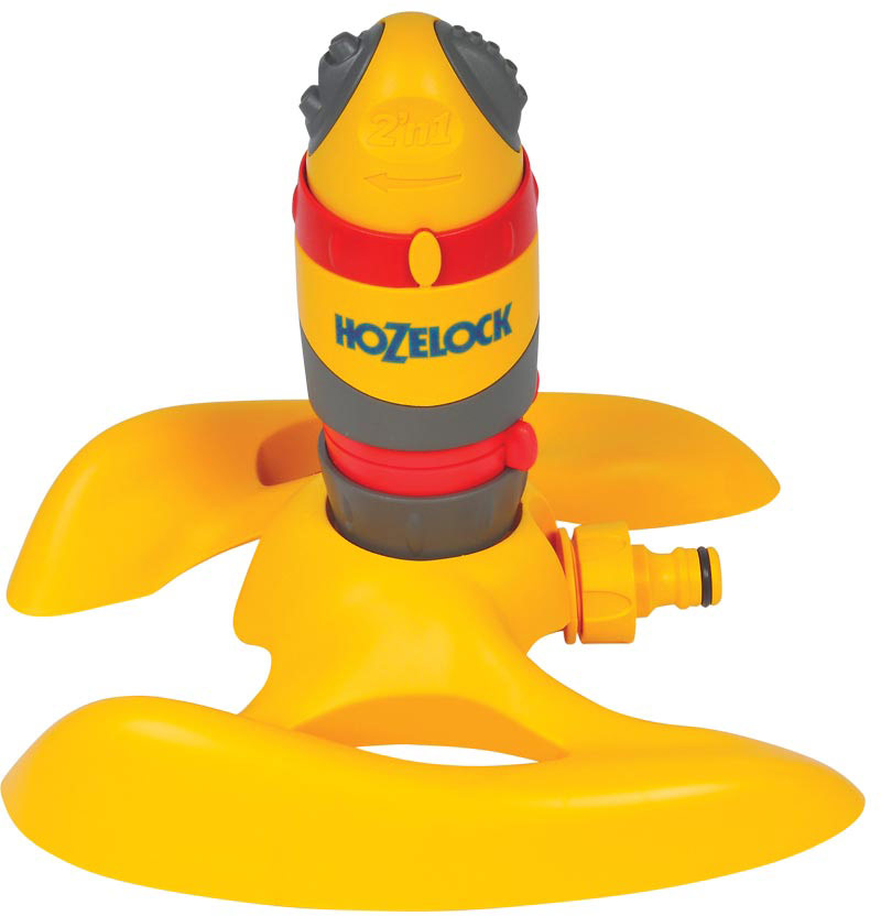 Дождеватель-ороситель HoZelock 2336 спринклерный круглый Pro 314 м на подставке  Обеспечивает 100% равномерный полив. Ультра надежный шестеренчатый водяной привод, который работает при любом давлении воды (от 1 до 10 бар). Ороситель может поливать полный круг или его часть – настройка выполняется легко и просто при помощи специального регулятора. Два типа орошения: 5 струй, поливающих площадь примерно 314 квадратных метров (круг диаметром 20 м) – прекрасно подойдет для полива газонов и укоренившихся растений. Также предусмотрено тонкое распыление для меньшей площади – идеально для полива газонных семян, рассады или увлажнения парника. Ороситель установлен на салазки для обеспечения высокой степени устойчивости на любой поверхности.