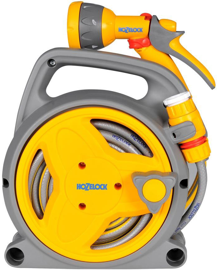 """Катушка Мини HoZelock 2425 Pico Reel с шлангом 8 м + 2 м 7,5 мм и комплектом фитингов (2 коннектора с аквастоп, Коннектор для крана вне помещений 1/2""""-3/4"""" (12,5 мм и 19 мм) 2184, Пистолет-распылитель мulti Spray 2676). Стильное и простое решение, которое позволяет облегчить работу в саду.• Поставляется в со всеми необходимыми элементами, что позволяет Вам сразу приступить к поливу • Богатый выбор цветовой палитры• Легкая и удобная• Разработана специально для небольших садов, патио, оранжерей, зимних садов, балконов• Закрытый внешний корпус защищает шланг от повреждений и обеспечивает его аккуратное хранение• Обтекаемая приводная ручка позволяет без усилий намотать шланг на катушкуЯркие, сочные цвета изделия (ярко-фиолетовый, розовый и ярко-зеленый) поднимут настроение любому садоводу! Идеально подходит для поливки небольших садовых участков. Можно носить катушку с собой или повесить рядом с краном, в любом случае, процесс полива не доставит Вам никаких хлопот. 10 метров шланга позволяют охватить достаточную площадь полива растений в горшках, саженцев, или рассады по периметру участка."""