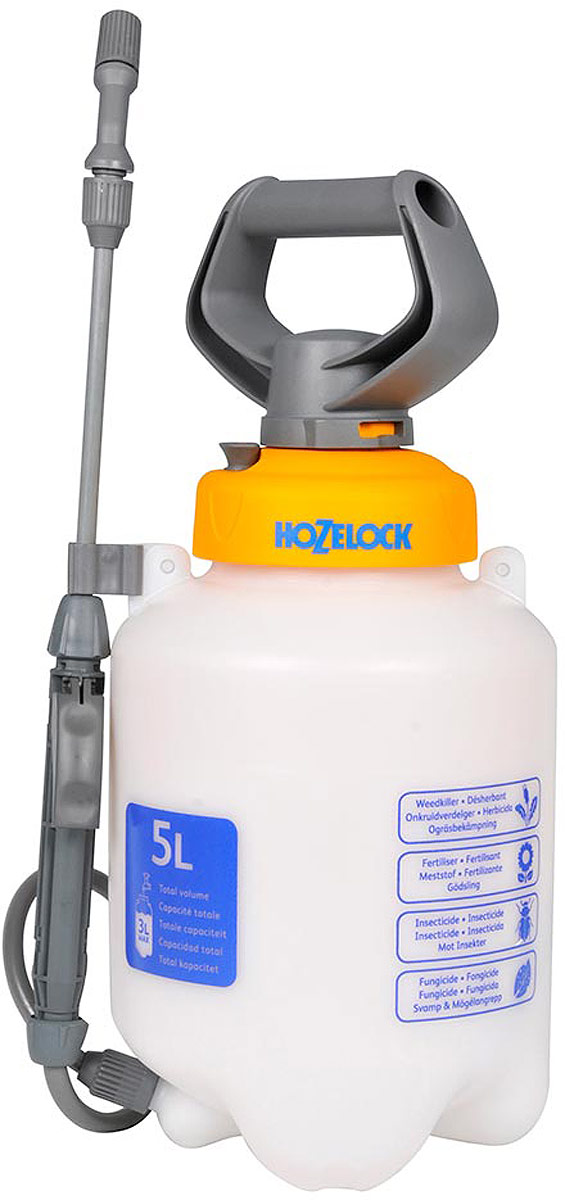 Опрыскиватель HoZelock 4507 7 л простой, точный и эффективный способ обработки растений инсектицидами, пестицидами, фунгицидами и водорастворимыми удобрениями. Максимальный уровень заполнения – 5 литров (для обеспечения достаточного воздушного пространства в емкости для сжатия под давлением).  Коническое сопло с регулировкой подачи раствора от струи до мелкодисперсного распыления («облако»). Встроенный клапан выпуска давления позволяет сбросить избыточное давление, чтобы безопасно снять крышку для залива препарата, а также не перекачать распылитель.  Полупрозрачная емкость с делениями для точного дозирования препарата. Широкая эргономичная рукоятка для удобства накачивания распылителя.  Широкая заправочная горловина облегчает залив раствора.