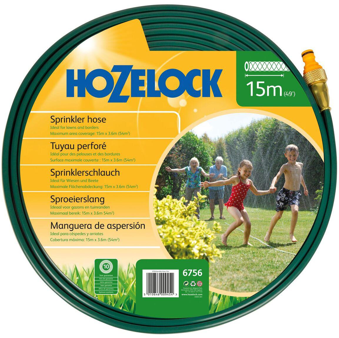 Шланг HoZelock 6756 разбрызгивающий для полива 15 м Перфорированный плоский Шланг, который разбрызгивает воду по всей длине деликатными струями или используется для увлажнения почвы, в зависимости от того, какой стороной Вы его прокладываете. Идеально подходит для полива растений на грядках и по периметру садового участка. Поставляется с коннекторами, которые позволяют Вам нарастить Шланг (собрать из нескольких комплектов Шланг нужной длины). Практичное решение для полива на Вашем участке без лишних затрат на разбрызгиватели и подводящие Шланги. Площадь покрытия: 100м
