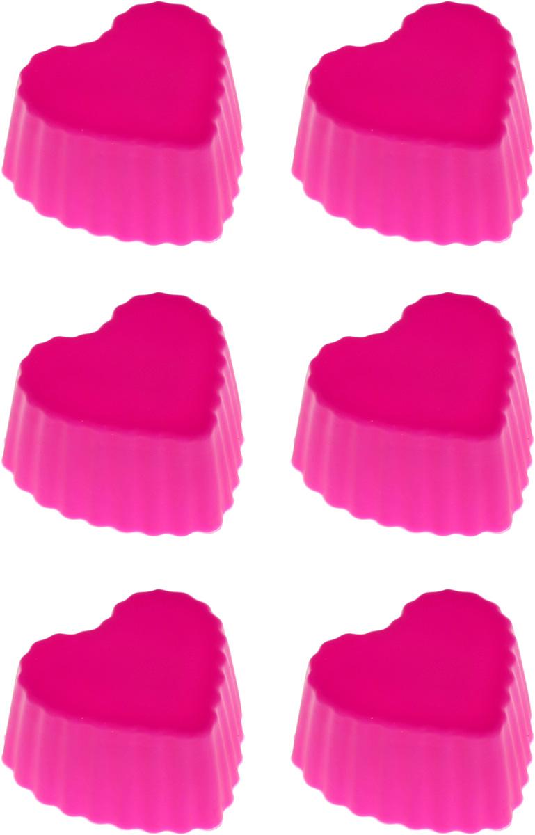 """Набор форм для кекса """"Сердечки"""" будет отличным выбором для всех любителей домашней   выпечки. В комплекте 6 форм. Форма изготовлена из высококачественного силикона. Материал устойчив к фруктовым   кислотам, может быть использован в духовках и микроволновых печах. Выпечка не пристает, не   пригорает и не прилипает к поверхности формы. Благодаря гибкости материала, извлечь готовую   выпечку очень просто и быстро. Силиконовая форма легко моется после использования.  С такими необычными формами вы всегда сможете порадовать своих близких оригинальной   выпечкой.       Как выбрать форму для выпечки – статья на OZON Гид."""