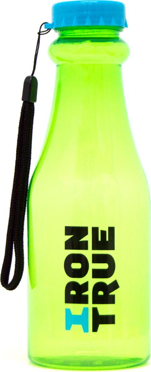 """Бутылка спортивная Irontrue """"Classic Series"""" выполнена из пластика. Оригинальная, узнаваемая форма. Идеально подойдет для воды, соков и других прохладительных напитков. На крышке имеется короткий шнурок для удобства переноски."""