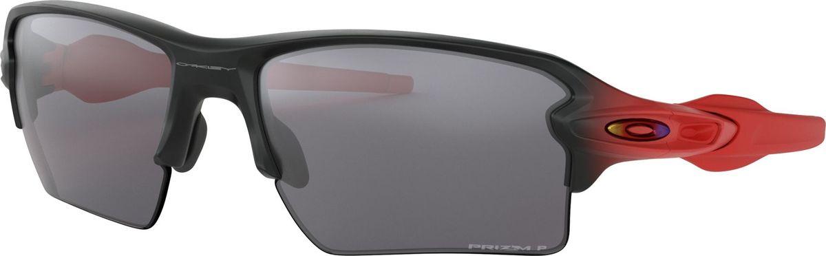 Велосипедные очки Oakley Flak 2.0 XL, цвет: Ruby Fade / Prizm Black Polarized0OO9188-91886659Эти очки созданы для больших целей, серьезных испытаний и максимального комфорта. Яркая эргономичная оправа с вставками из гибкого каучука Unobtanium в зоне переносицы и дужках под которыми кожа не потеет и не скользит, что обеспечивает идеальное удержание очков без дополнительных креплений. А использование технологии HDO (High Definition Optics), которая обеспечивает максимальную четкость при любом угле обзора, отсутствие бликов и яркие чистые цвета, не позволит глазам перенапрягаться в течении всего дня.Особенности:Технология Prizm: революционная технология в области оптики, позволяющая максимально оптимизировать светопропускание, получив в результате наилучший контраст и видимость.Технология High Definition Optics (HDO): запатентованная технология, отвечающая за визуальную четкость на всех углах обзора, что предотвращает перенапряжение глаз.Модель XL предполагает улучшенное покрытие линз для лучшей защиты от солнца, ветра и повреждений.Гибкие каучуковые накладки на оправе Unobtainium для идеальной посадки, предотвращающие скольжение.Материал оправы: прочный и легкий полимер O Matter.Длина дужки: 133 мм.Высота: 38 мм.Ширина 1 линзы в оправе: 59 мм.Ширина переносицы: 12 мм.Чехол для хранения в комплекте.Дополнительные резиновые накладки на переносицу.