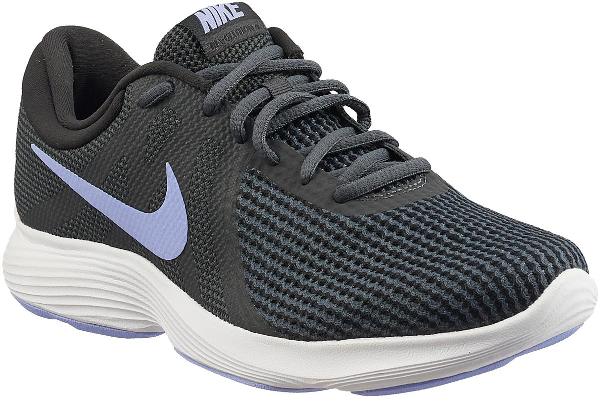 Кроссовки для бега женские Nike Revolution 4 (EU), цвет: темно-серый, сиреневый. AJ3491-006. Размер 6 (35,5)AJ3491-006Женские кроссовки для бега Revolution 4 (EU) от Nike в минималистичном стиле выполнены из легкой однослойной сетки для воздухопроницаемости и мягкого пеноматериала для невероятного комфорта и упругости. Верх из сетки для оптимальной воздухопроницаемости. Мягкая подошва из пеноматериала обеспечивает оптимальную амортизацию без утяжеления. Резиновая подметка для надежного сцепления. Нижние накладки на мыске и носке для поддержки и прочности конструкции. Литые накладки обеспечивают сцепление на разных поверхностях. Накладки поглощают ударные нагрузки при отскоке в области носка, создавая эффект поршня для адаптивной амортизации. Перепад: 10 мм. Колодка: MR-10.